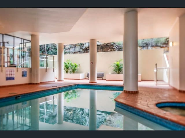 Luxury appartment with pool, sauna and gym