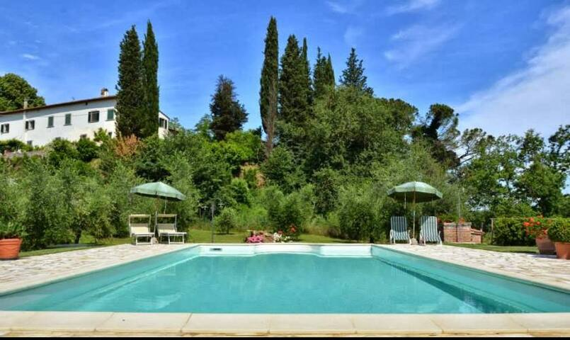 Ancient villa with view, private garden and pool - San Miniato - 別墅