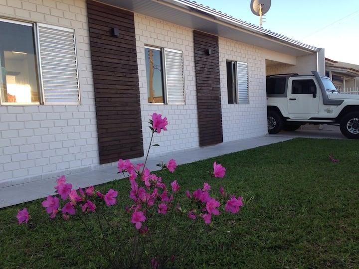 Casa completa em Balneário Rincão próximo do mar!