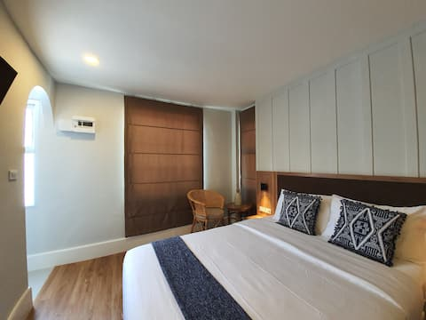 Private Double Bed Room Near Airport (Striploin)