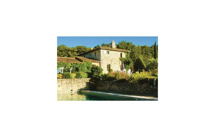 Holiday cottage with 5 bedrooms on 350 m² in Chantemerle l. Grignan