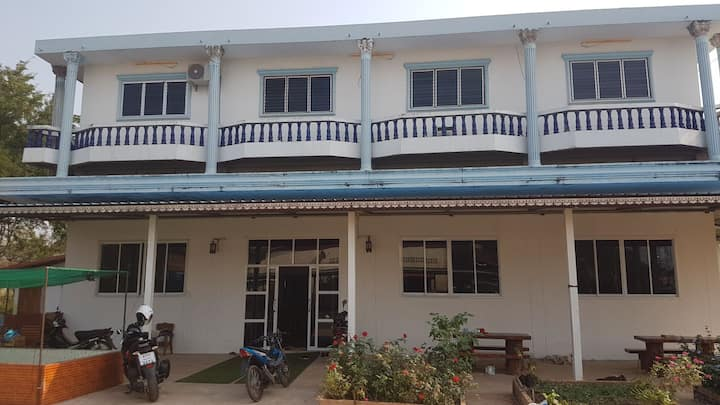 Farmstay double room ensuite with aircon