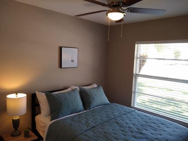 Bedroom #3 (of 5) 1 Queen size bed