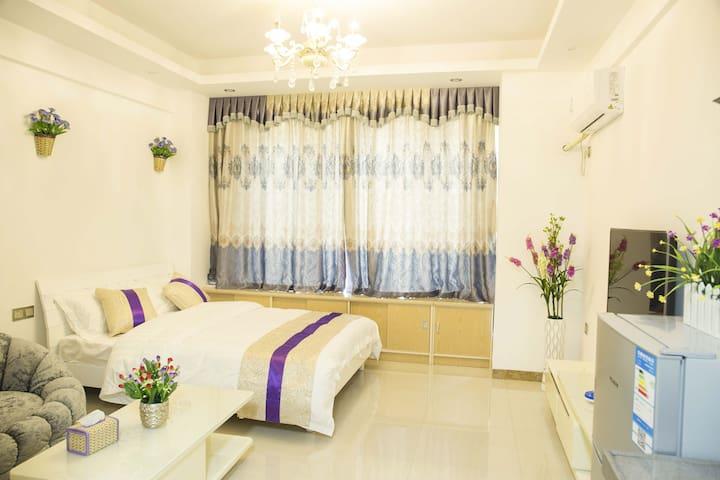 豪华大床房(Deluxe Room) - Dongguan - Wohnung