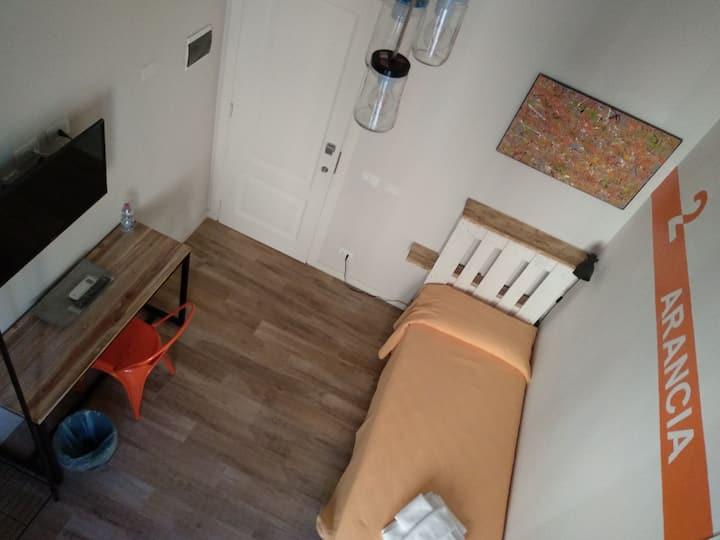 Arancia Room - Firenze  #kakoperokiwi