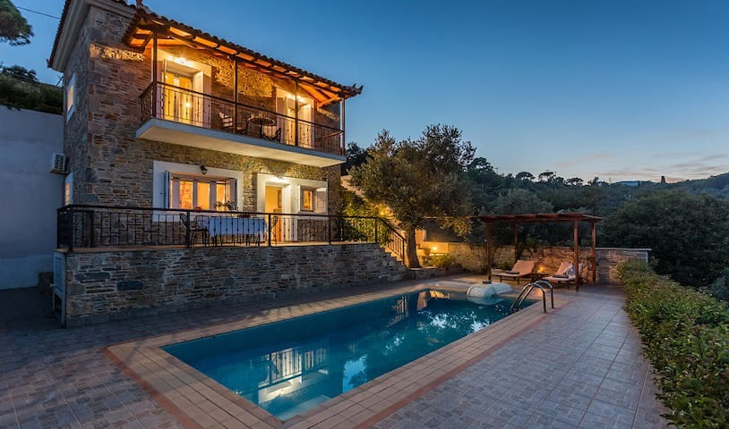 Alegria traditional stone built villa