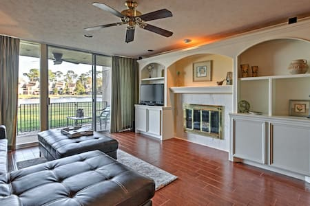 Beautiful 2BR Montgomery Condo on Lake Conroe - Montgomery - Kondominium