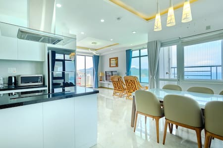 Beach Front Penthouse with Ocean View - 3 Bedrooms