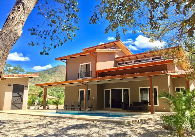 NEW 4BR Costa Rica house w pool near Playa Conchal