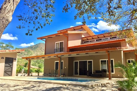 Casa Nimbu 4BR wth pool near beaches in Costa Rica