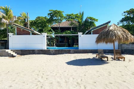 The Beach House at Playa Pochomil! - Pochomil - Huis