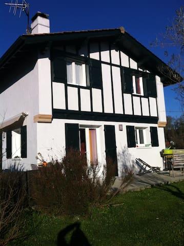 Maison Hiruburu - Saint-Pée-sur-Nivelle - Villa