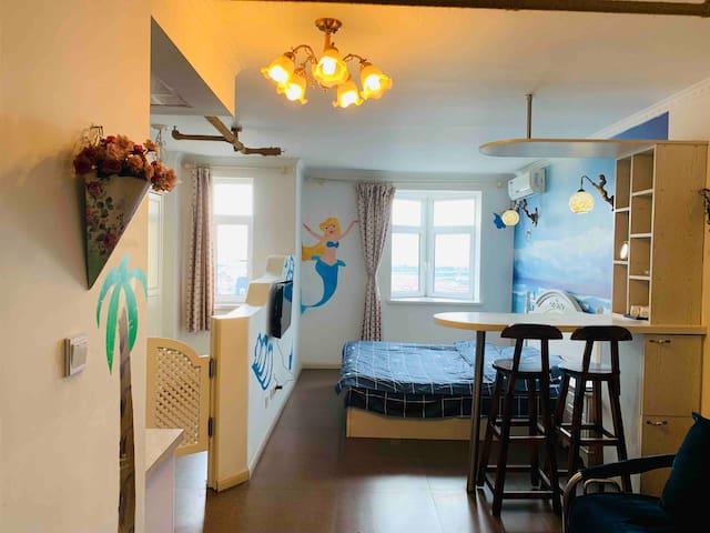 锦州曼哈顿主题式海洋轻奢风民宿日租小时房
