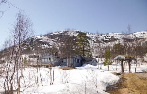 Awesome home in Hovden with 3 Bedrooms