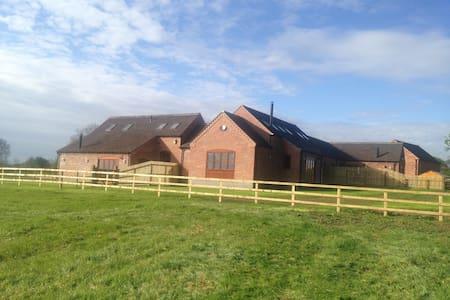 Tawny Cottage - Staffordshire