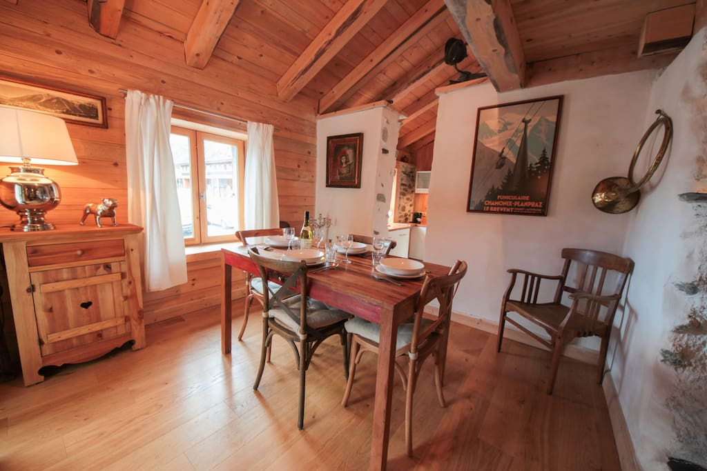 Dining room | Balmat Cottage | Chamonix Chalet to Rent