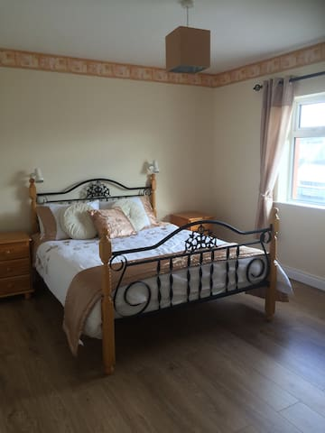 Dingle, Racecourse House, Been Bawn - Dingle - Bed & Breakfast