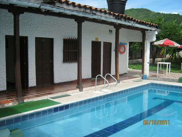 Habitación No 4 Hotel Colonial Guataqui