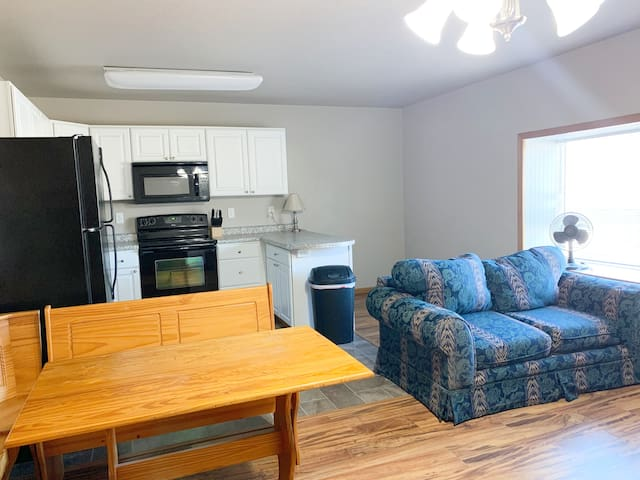 2 bed, 1 bath feels like home serviced rental!