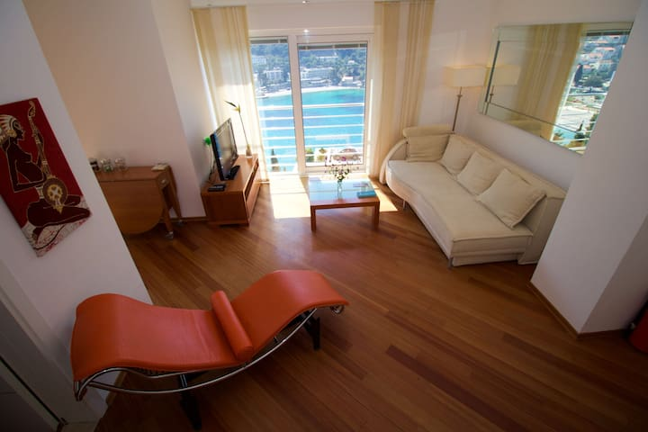 L'Heure Bleue Apartment | Relax and enjoy the beautiful views!