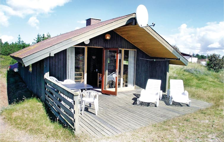 Holiday cottage with 3 bedrooms on 64m² in Hvide Sande
