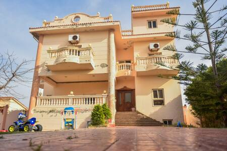 Villa Aida- Sea view with garden, pool and jacuzzi