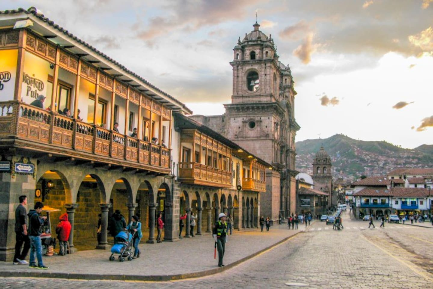 Peruvians love their meat, but there are so many vegan + vegetarian options in Cusco. Let us recommend our favorite spot in the Plaza de Armas!