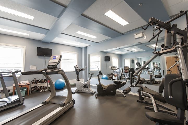 Enjoy the conveniences of a hotel, including on-site fitness centre