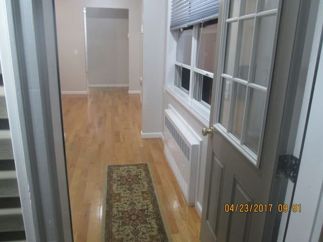 Monsey Host - Spring Valley - Apartamento