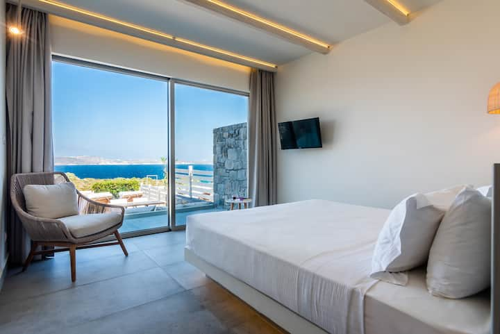 Superior 2bedroom family room (Hotel Milos Resort)