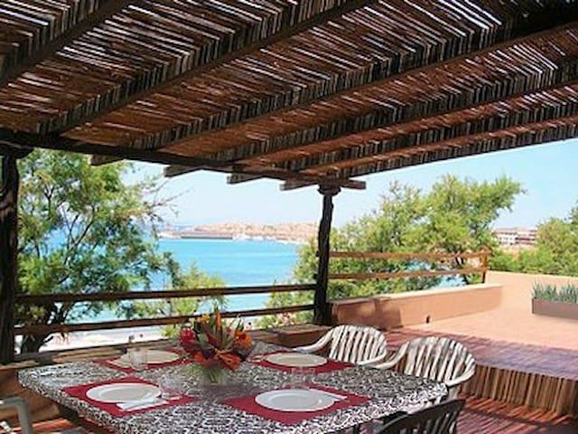 Beautiful Villa on the Beach - Isola Rossa Trinita d'Agultu - Maison