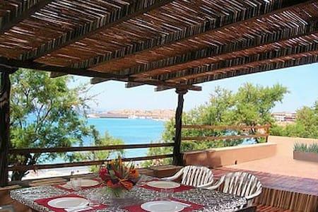 Beautiful Villa on the Beach - Isola Rossa Trinita d'Agultu - Haus