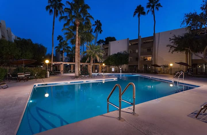 Enjoy Our Salt Water Pool, Ground Floor Condo