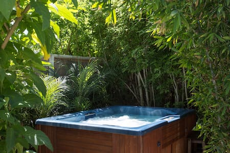 Beach Suite- HotTub AquariumPasses E-Bikes&Surfbrd