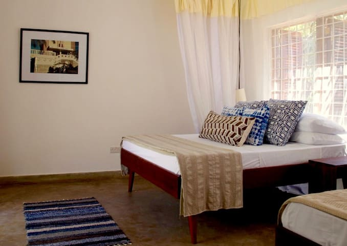 Twin room surrounded by nature - Mombasa - Villa