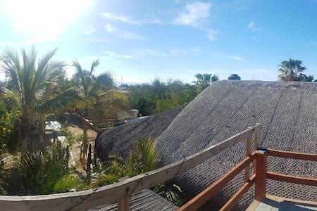 Casa tortuga/ WIFI/ 2min walk from the beach/ FAN