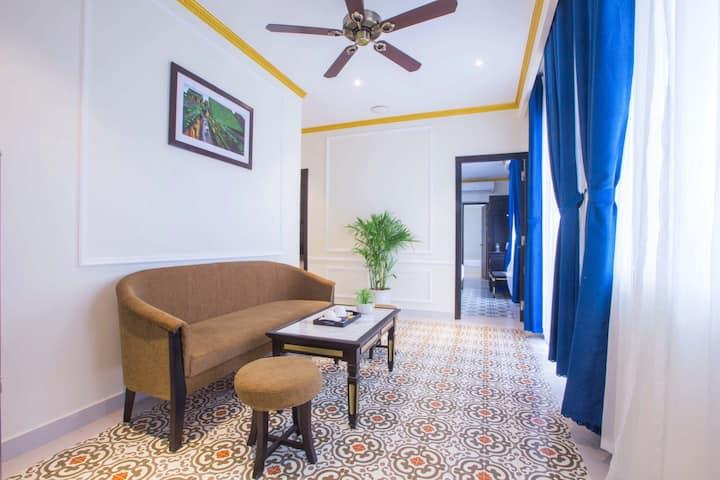LUXURY 2BRs Apartment, Boutique CENTER HOTEL