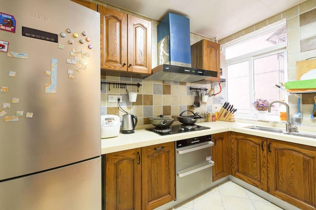 厨房 Kitchen |料理设施及小工具一应俱全