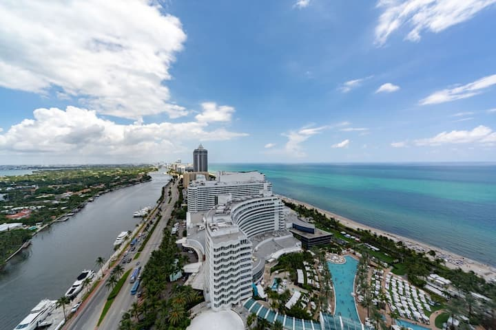 Premium Ocean One Bedroom Suite in Fontainebleau