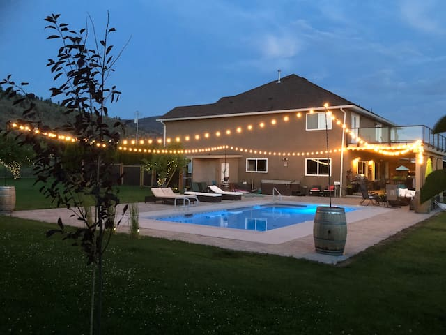 Inn Penticton~ Lux w Pool/Hot Tub - On Wine Route