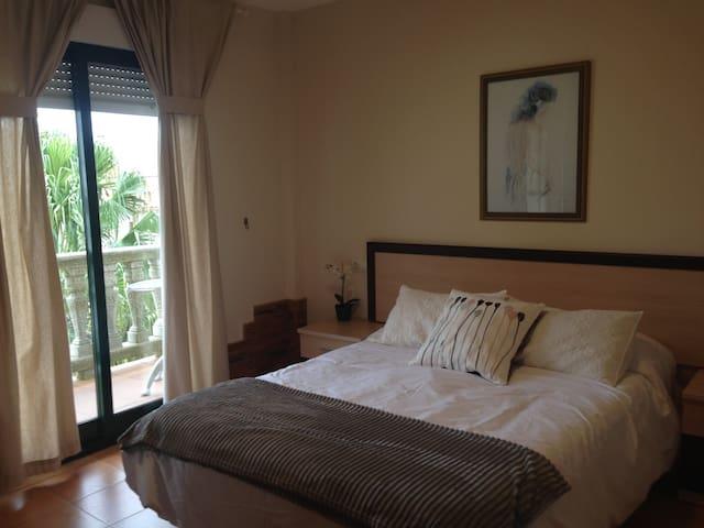 Aqualecer un Dormitorio con vistas al mar