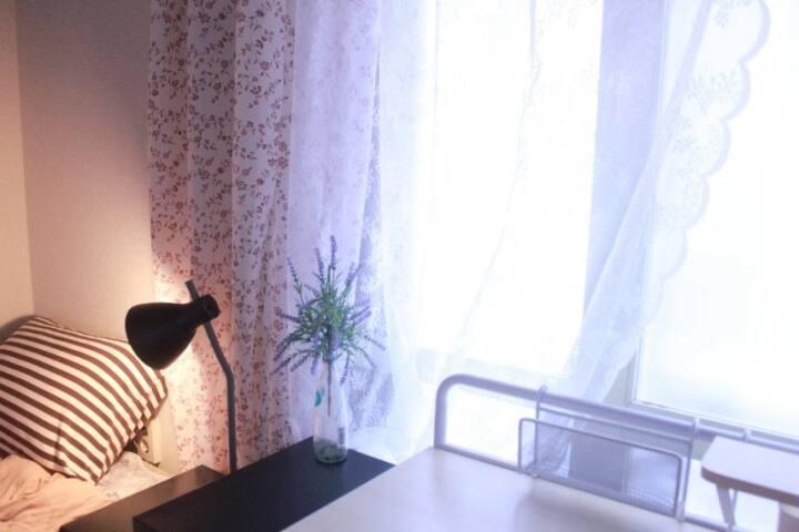 2호D룸. 핫한 2호선 건대입구역 도보5분 여성전용- 1인실 장기거주환영 할인가능