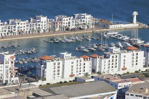 Immeuble avec plusieurs appartements à: Agadir
