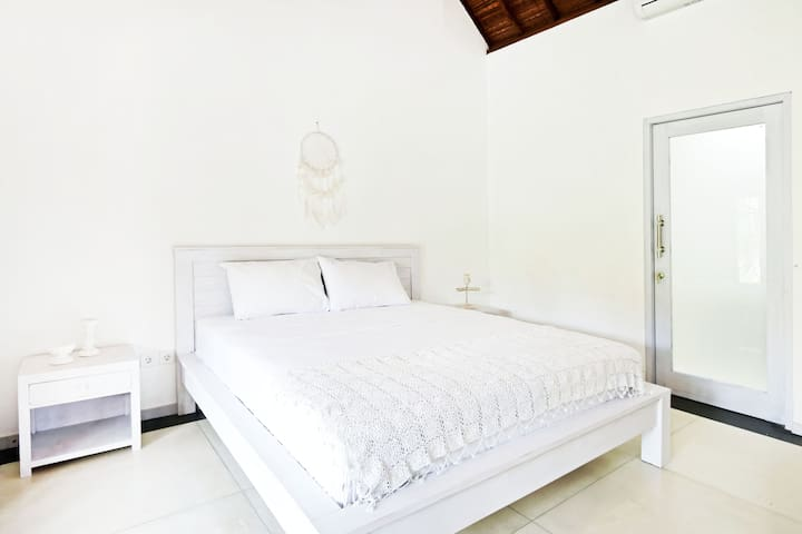 Villa Salin Room 3, Canggu Beach