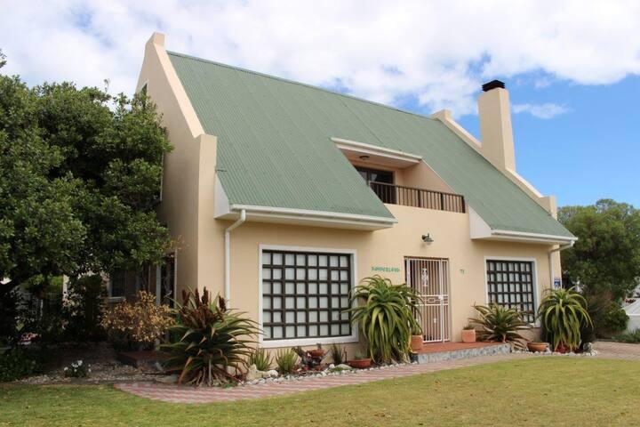 Pamperlang Victorian cottage