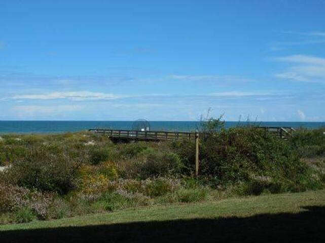 Affordable ocean View Condo walking distance to the beach Barefoor Trace 104 - St Augustine - Apartment