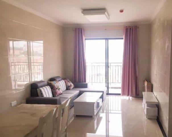 津淮街千亿商业城边中骏广场豪装两房 设施齐全 装修典雅