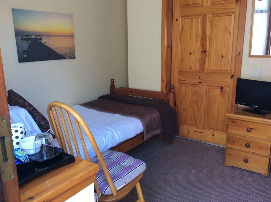 Cottage Room2