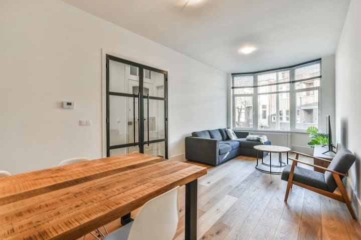 Lovely modern 2 bedroom apartment. City Centre