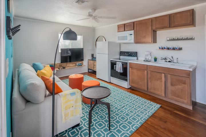 WanderJaunt | Gibson | 3BR Home | South Scottsdale